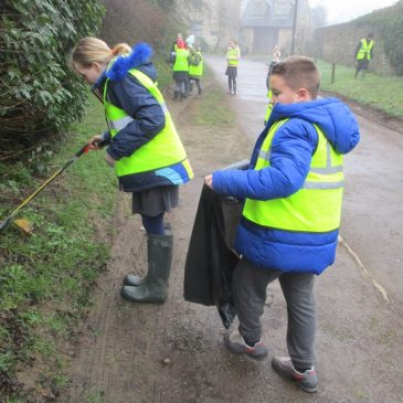 The Mountains Class go litter picking!